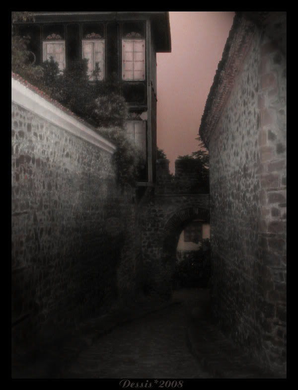 Edorn Aurargéntea Old_Streets_by_DeheartedNature