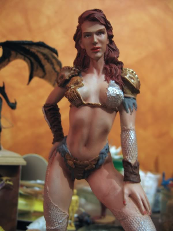 Busto y figura femenina IMG_0573