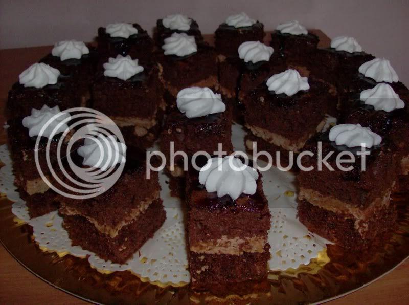 Retete de prajituri, cornuri, tarte - Pagina 4 Alexandraianuarie2010008-2