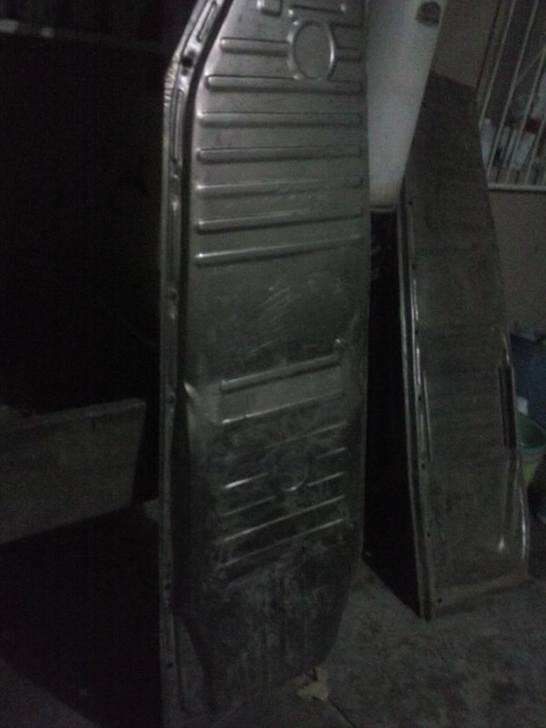 Les muestro mis avances con el interior y el piso de mi rata CAM00662_zpscc101e10