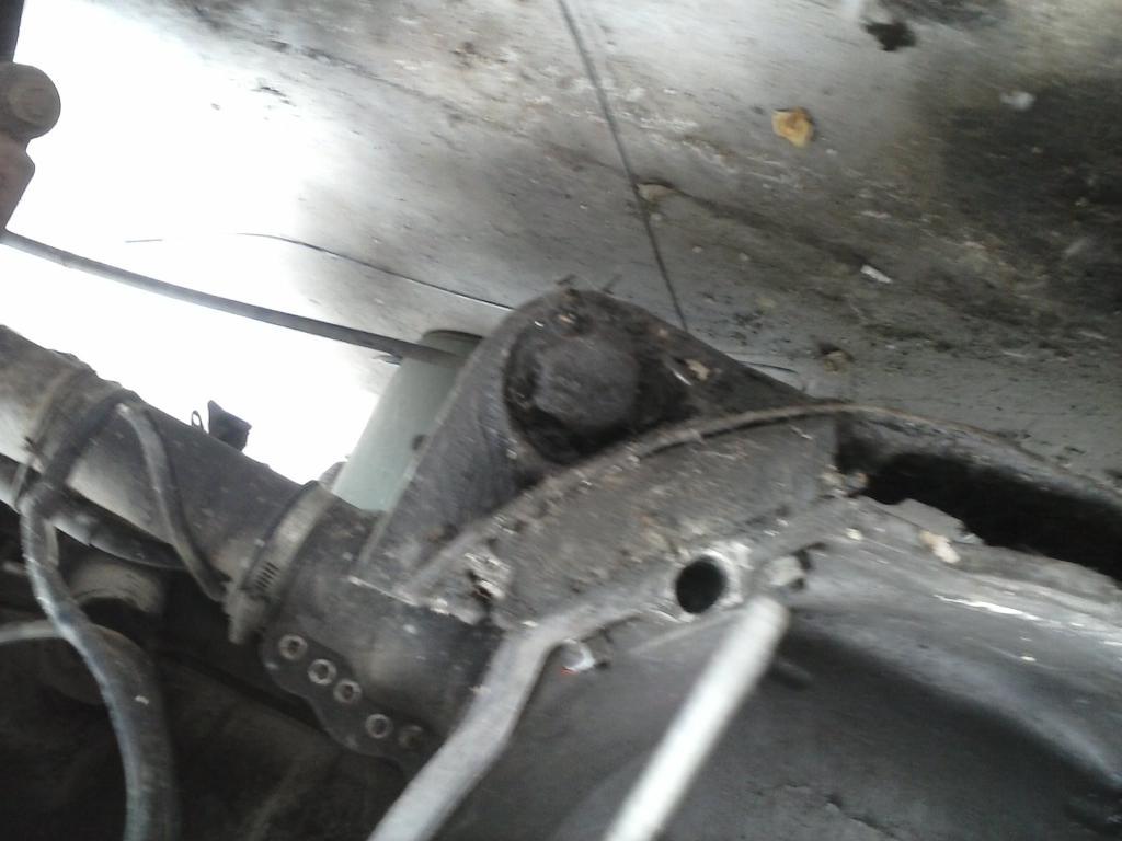 Les muestro mis avances con el interior y el piso de mi rata CAM00704_zpsa8417d34