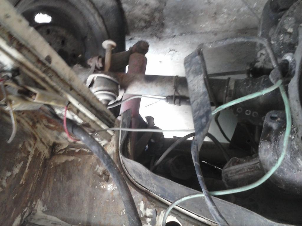 Les muestro mis avances con el interior y el piso de mi rata CAM00707_zpsd9c3fc8d