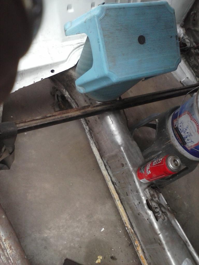 Les muestro mis avances con el interior y el piso de mi rata CAM00719_zpsd0d77e2a