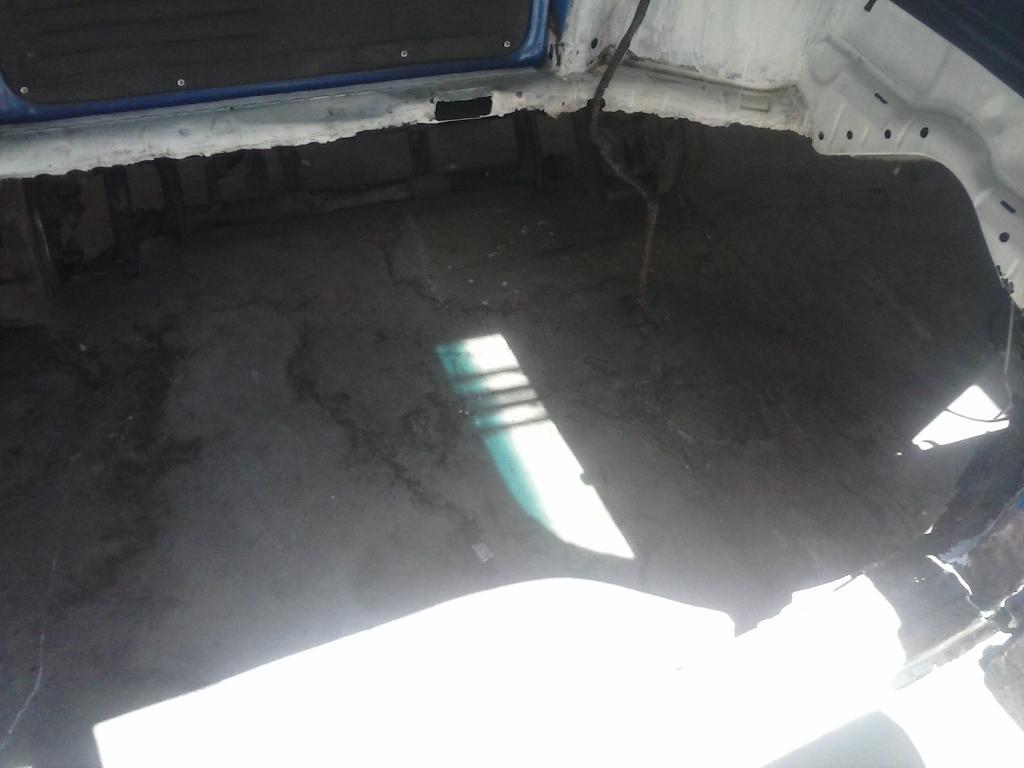 Les muestro mis avances con el interior y el piso de mi rata CAM00857_zps3c9fcb7f
