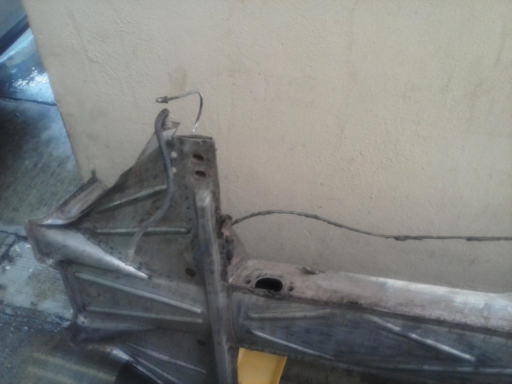Les muestro mis avances con el interior y el piso de mi rata CAM00867_zps2fc553fe