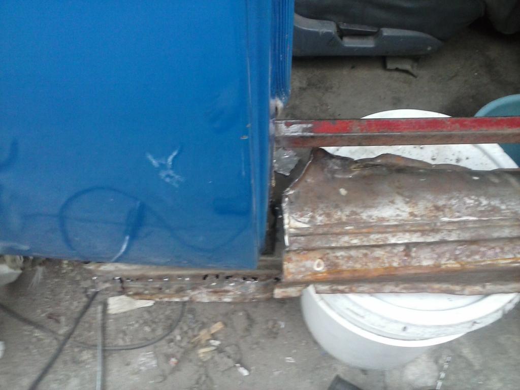 Les muestro mis avances con el interior y el piso de mi rata CAM00874_zpsd66e0792