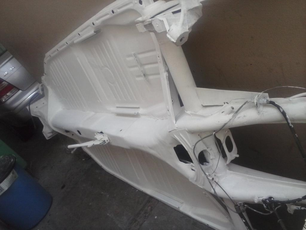Les muestro mis avances con el interior y el piso de mi rata CAM01094_zps80f0c90c