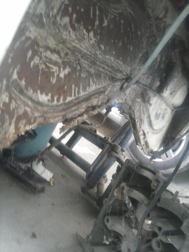 Les muestro mis avances con el interior y el piso de mi rata CAM01103_zps3c543710