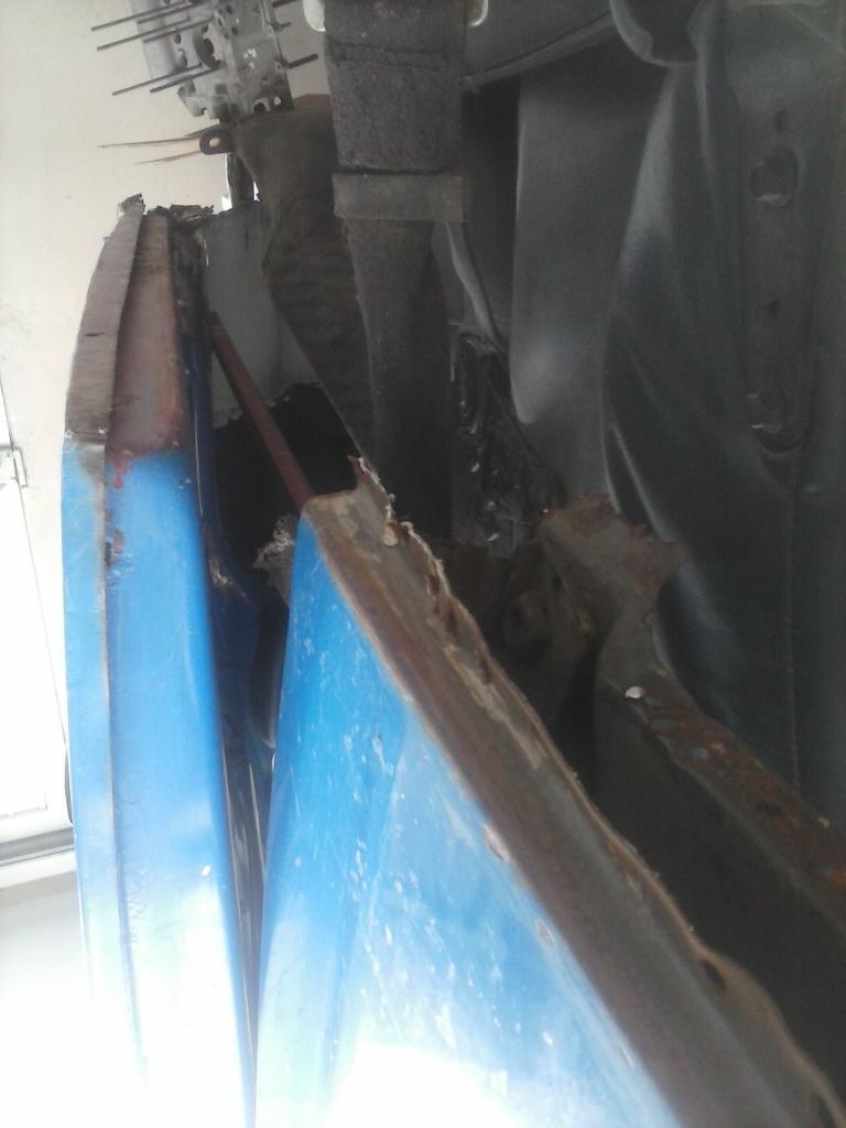 Les muestro mis avances con el interior y el piso de mi rata CAM01113_zpsa6fd48e3