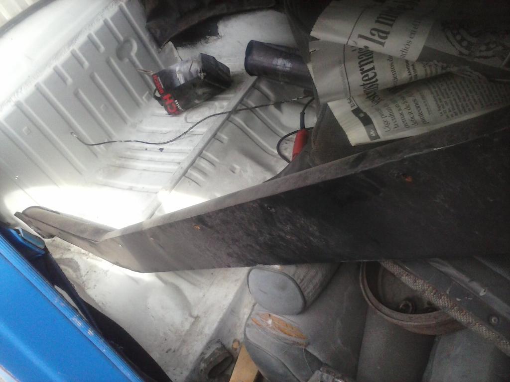 Les muestro mis avances con el interior y el piso de mi rata CAM01114_zps8c15fea8