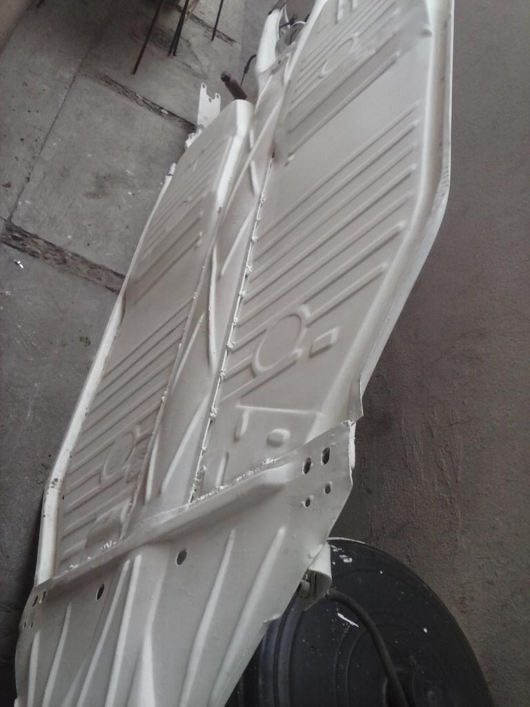 Les muestro mis avances con el interior y el piso de mi rata CAM01129_zps4eddd6ac
