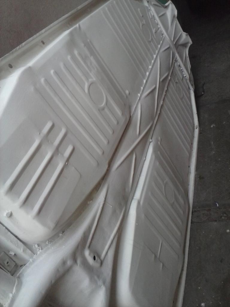 Les muestro mis avances con el interior y el piso de mi rata CAM01130_zps60340aff