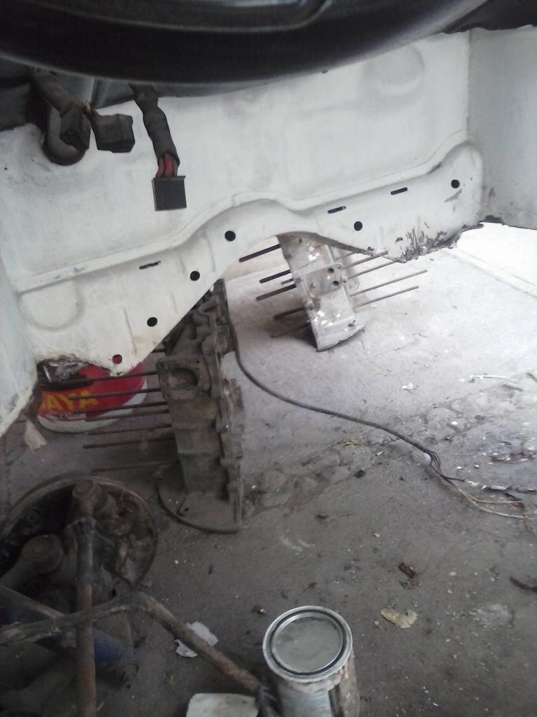 Les muestro mis avances con el interior y el piso de mi rata CAM01132_zpse1344f66