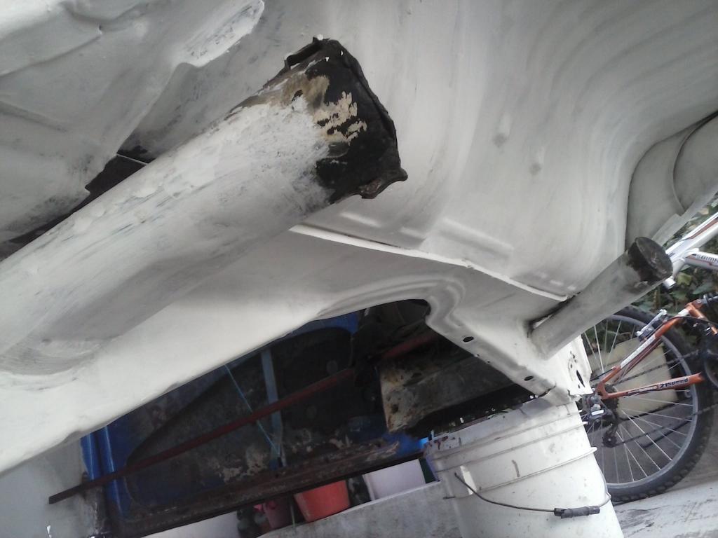 Les muestro mis avances con el interior y el piso de mi rata CAM01134_zpseb423203