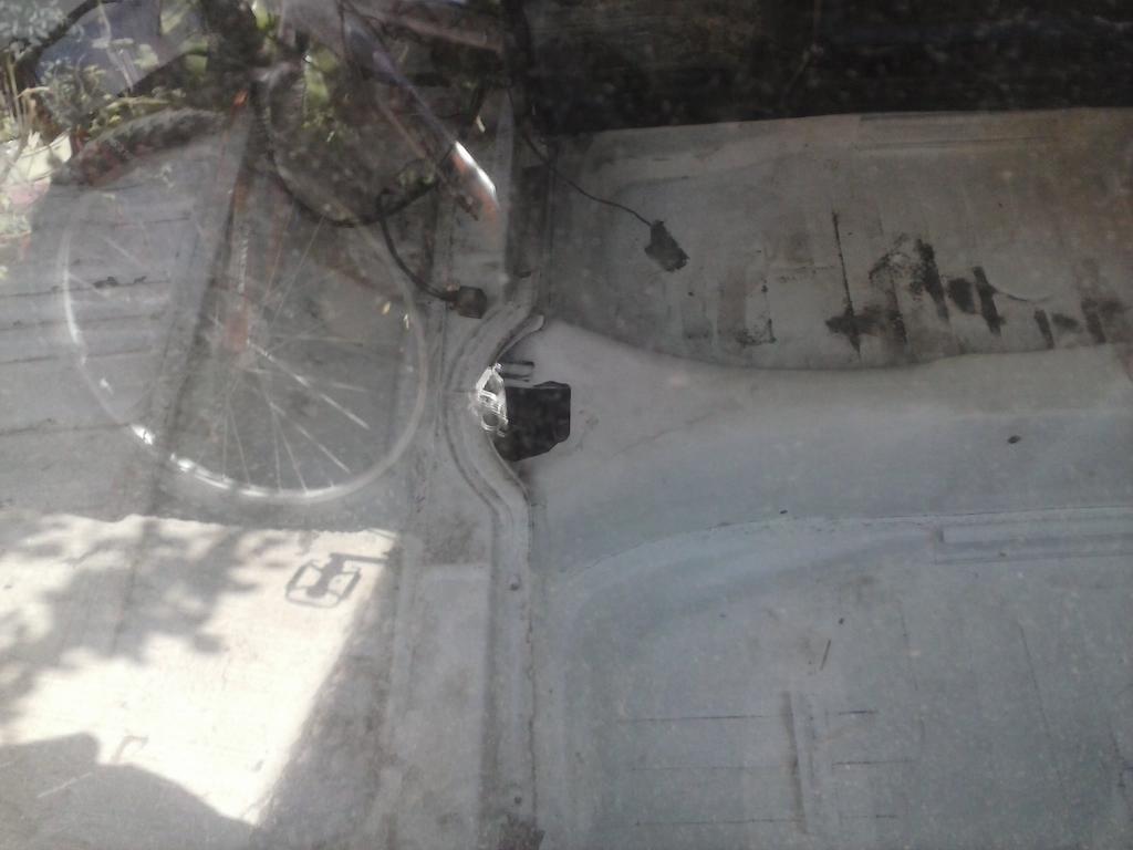 Les muestro mis avances con el interior y el piso de mi rata CAM01146_zps0935a91b