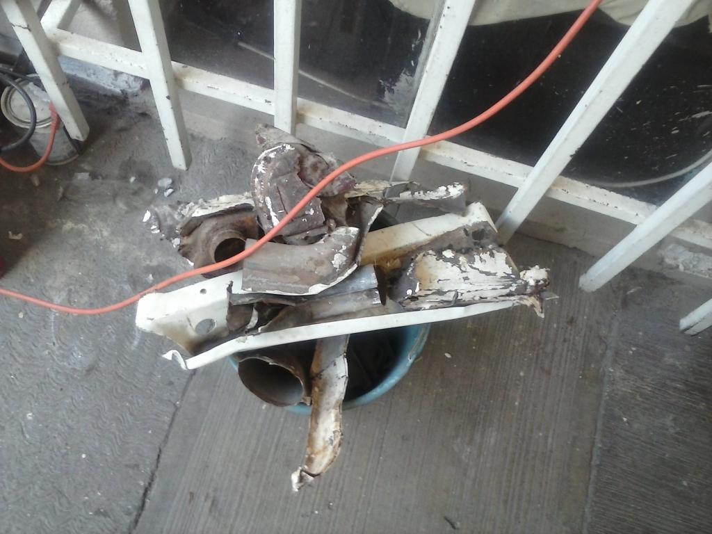 Les muestro mis avances con el interior y el piso de mi rata CAM01165_zpse1822e35