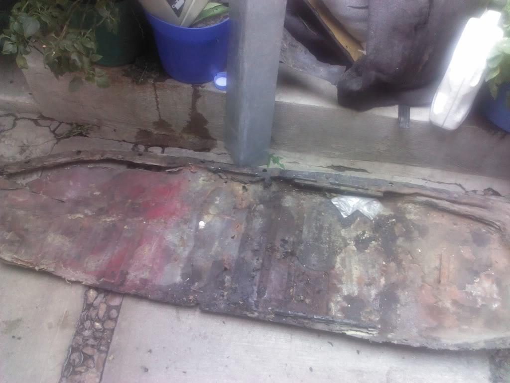 Les muestro mis avances con el interior y el piso de mi rata IMG_20130118_131853_zps9acfeb86