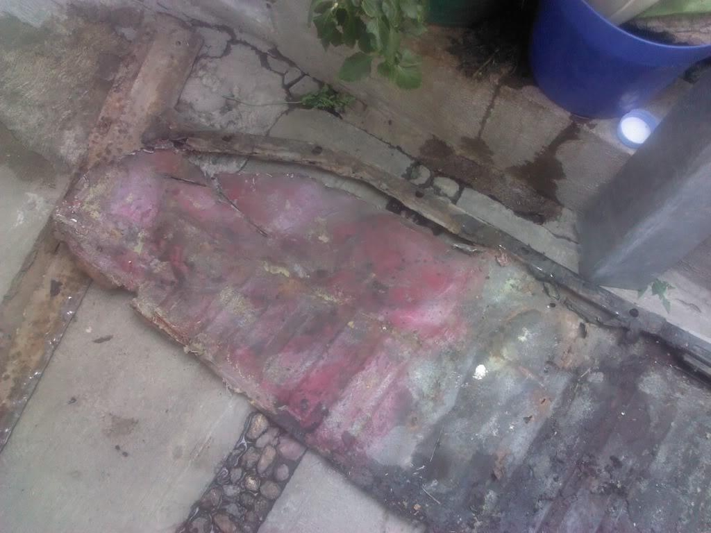 Les muestro mis avances con el interior y el piso de mi rata IMG_20130118_131859_zps52f2fea8