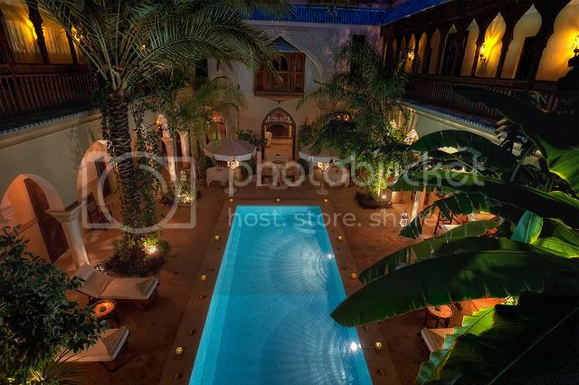 Bazeni - Page 6 Elegant-home-house-mansion-palm-trees-pool-Favimcom-66755_zps1fbb1010