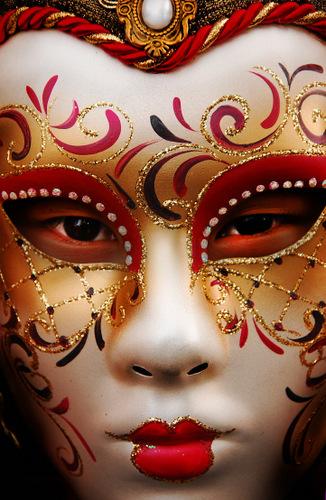Maske - Page 4 Venetian_mask_by_bazouu_d35zpqy_zps27987460