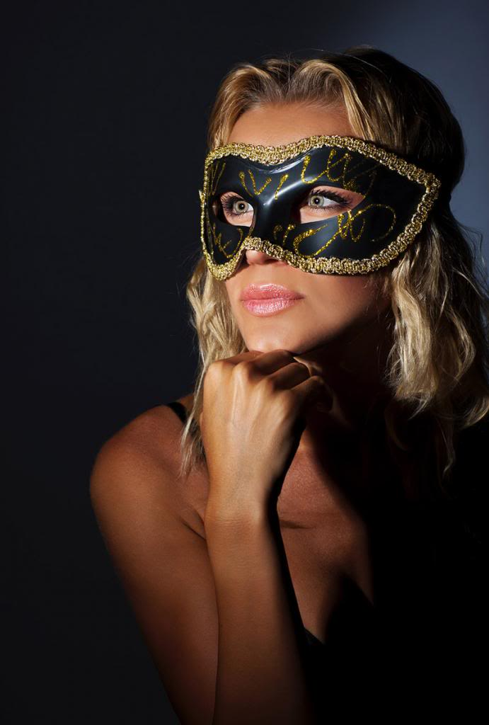 Maske - Page 4 Woman-carnival-mask-1_zps0e27f31c