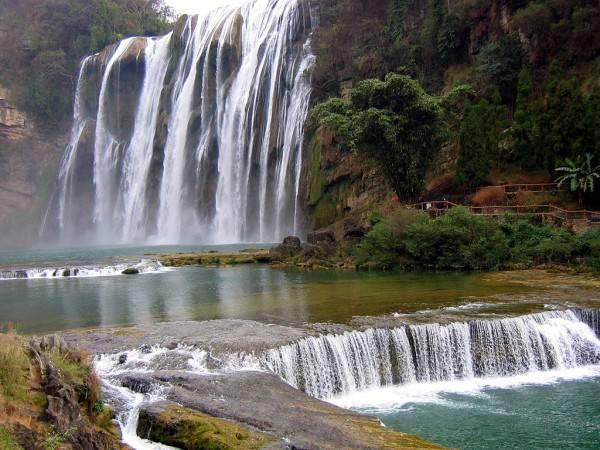 Vodopadi - Page 3 Huangguoshu-falls-600x450_zps002ba77e
