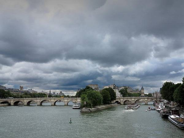 Nebo i oblaci - Page 3 Paris_zps7ce49b07
