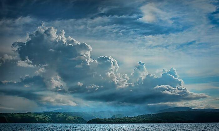 Nebo i oblaci - Page 2 Sky-clouds-photos-11_zps6c618dd0