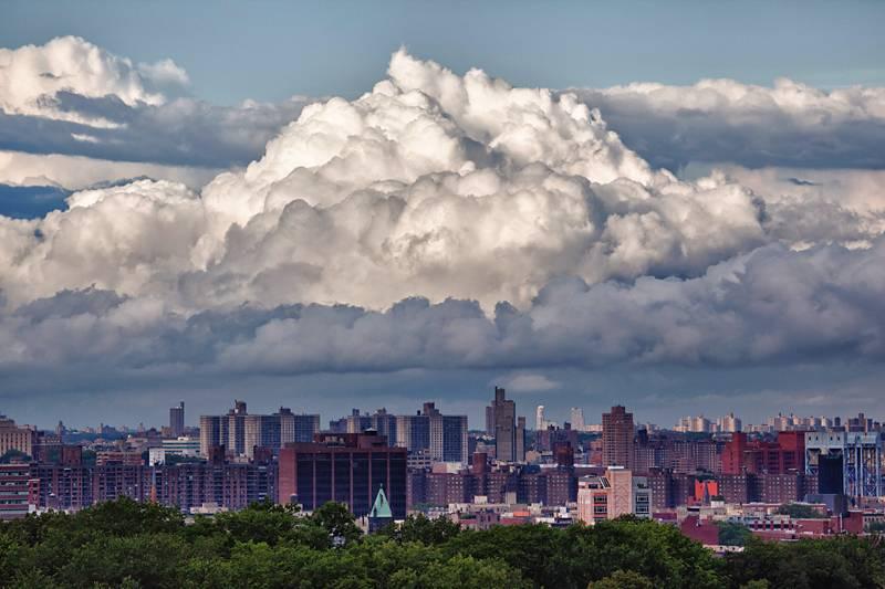 Nebo i oblaci - Page 3 Tp-dramatic-clouds-over-harlem-8-15-11_zpsde8976ec
