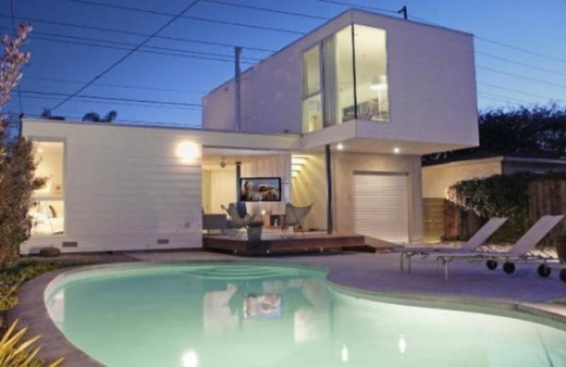 Bazeni - Page 3 Outdoor-pool-house_zps24126512