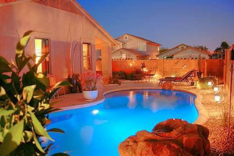Bazeni - Page 3 Outdoor-pool-house_zps475ec1f2