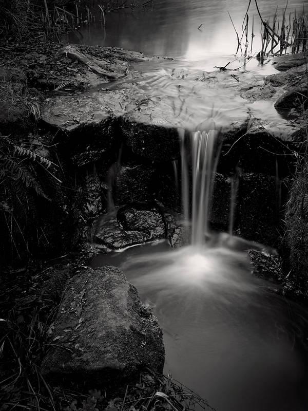 Vodopadi - Page 4 Waterfall_by_Jez92_zps833447f2