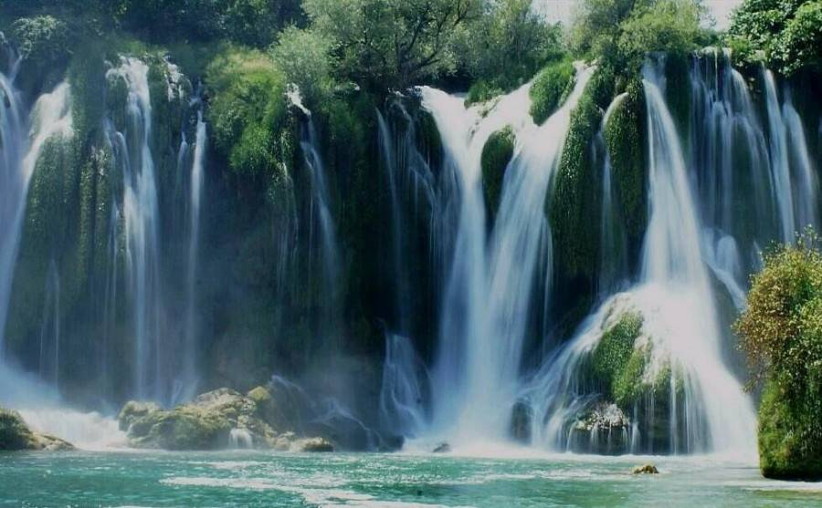 Vodopadi - Page 5 Waterfalls_by_azia600-900x557_zps06bc396d