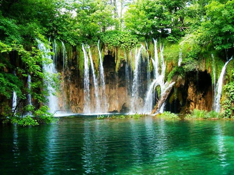Vodopadi - Page 4 Waterfalls_by_vilq90_zpsc058884e