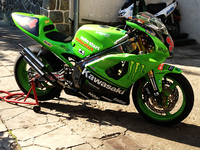 kawasaki 250 KR1-S IMG_5704_zpsd3e08032