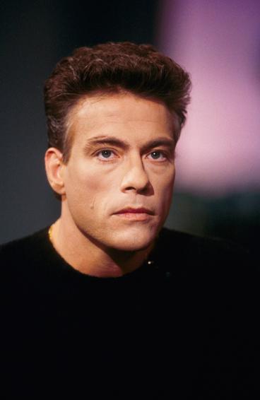Jean-Claude Van Damme - Página 4 4243