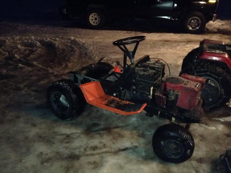 11HP Gilson To A Offroad/Mudding Mower IMG_23271_zps136c7934