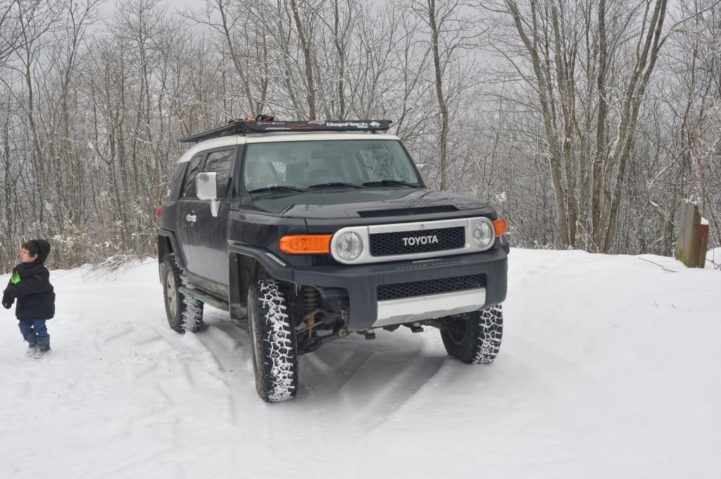 FJ's in the snow! - Page 2 DSC_0116_zpsc3da6505