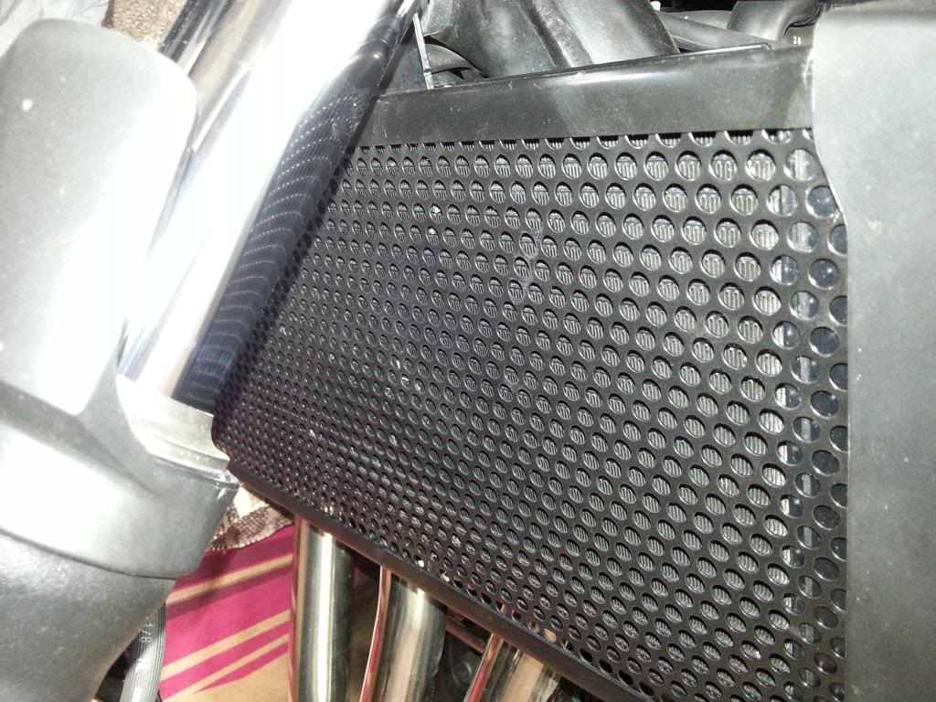 eu fiz um protetor de radiador p bandit (Fotos) 20130919_102620_zps6b96a0d1