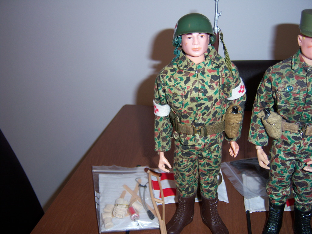 Medic and camo gi joe 100_7001_zpskzgjoonz