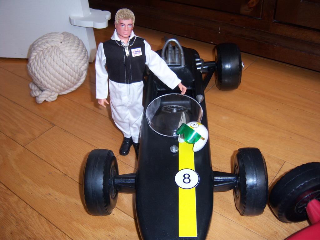 Racing Cars 100_7241_zps8g5nvtbl