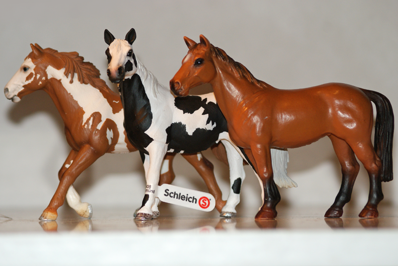 Horse additions (New: 9th December) Pintopairandholstainmare_zps01d3222e