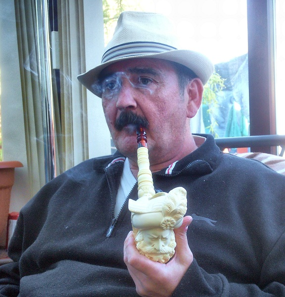 LET'S SEE PICS OF YOU SMOKING A PIPE - Page 4 029_zpsb2e7346c