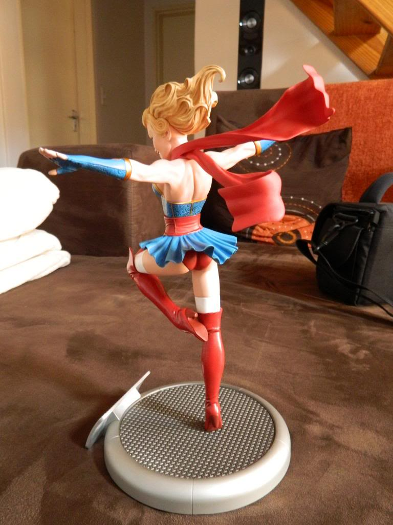 Bombshells: Supergirl DSCN0689_zpsc5028529