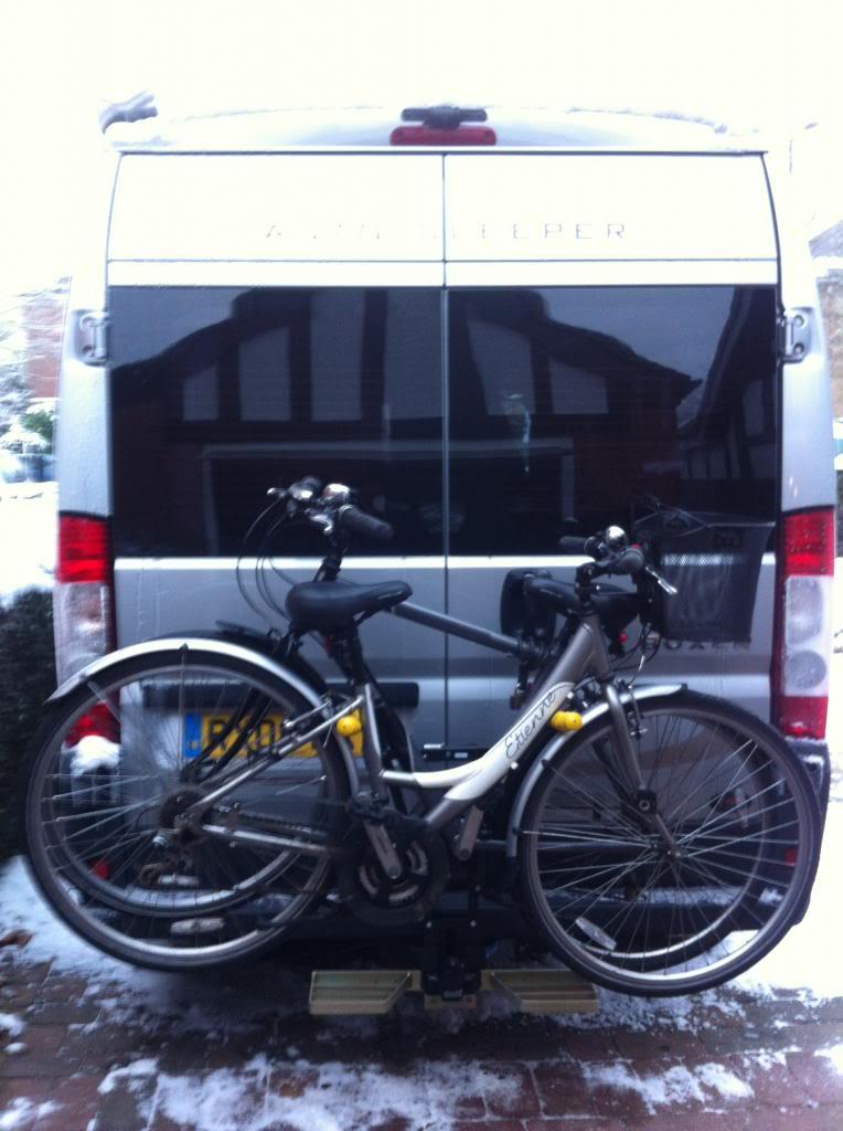 Towbar mounted cycle rack 036_zps9278f433