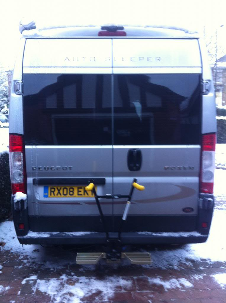 Towbar mounted cycle rack 038_zpsde5aed25