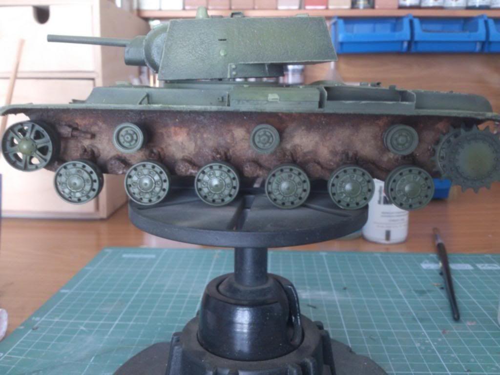 KV-1 1940 1/35 Trumpeter (Dedicado al amigo Garriwi). - Página 2 Kv-41_zpse47503a9