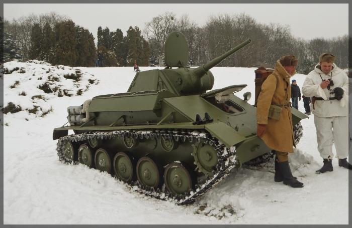 T-70M batalla de Kursk. T_70_light_tank_by_wormwoodthestar-d5vy2cv_zps8b6035d1