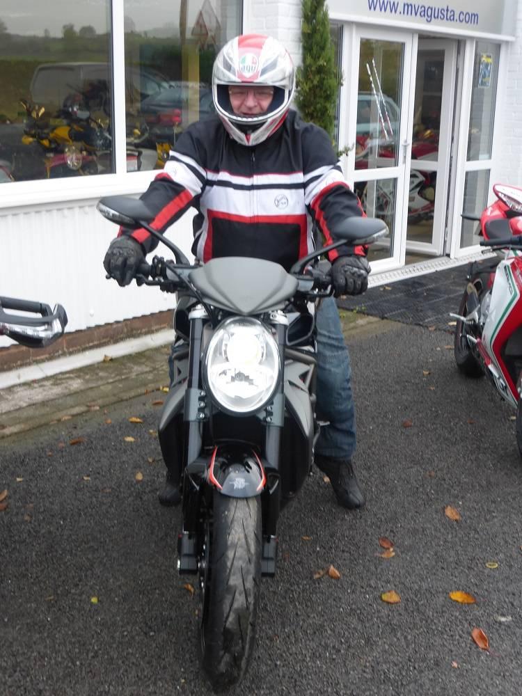 Radar has a new bike! P1010088R_zps55kxo3lc