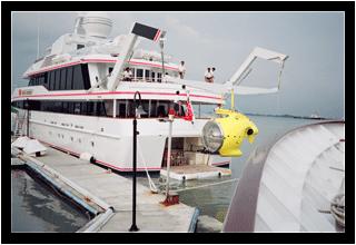 AUV´s- Vehiculos submarinos autonomos y su tecnologia Yacht-solutions-1_zpsbe865518